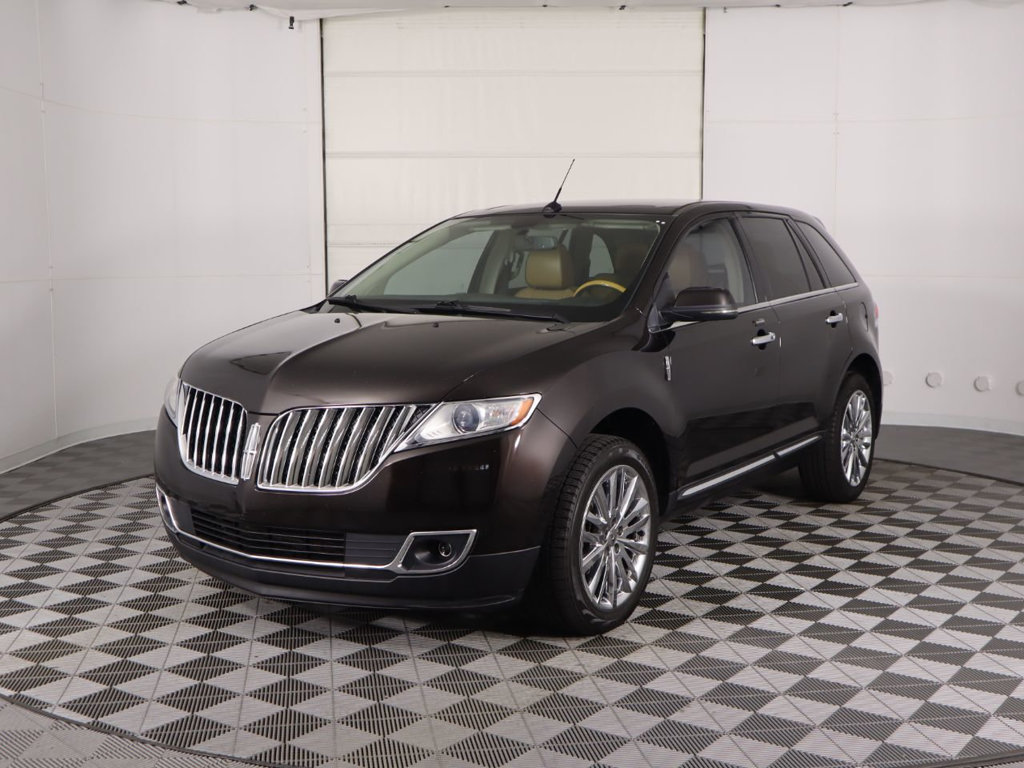 Pre-Owned 2013 Lincoln MKX FWD 4dr