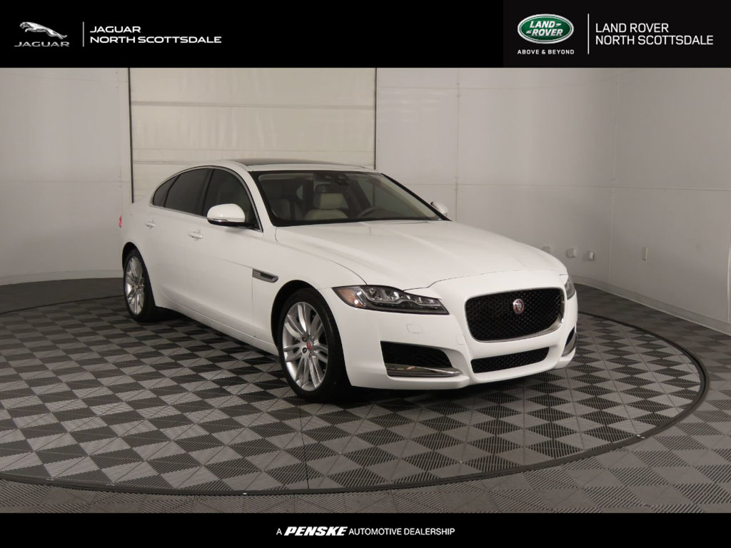 Pre-Owned 2016 Jaguar XF 4dr Sedan 35t Prestige RWD